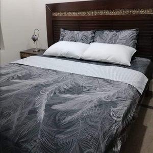 Premium Quality Queen bedsheets